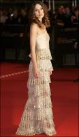 kiera-knightley-in-valentino-dress-baftas-08.jpg
